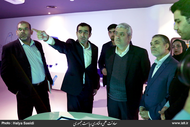 Visit of the Book Garden of Tehran by the Vice President for Science and Technology Affairs